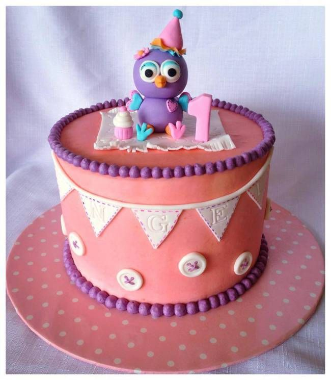 Isn't this the prettiest Hootabelle cake ever....and it's filled with strawberry buttercream!! #kidscakes #girlscakes #hootabelle