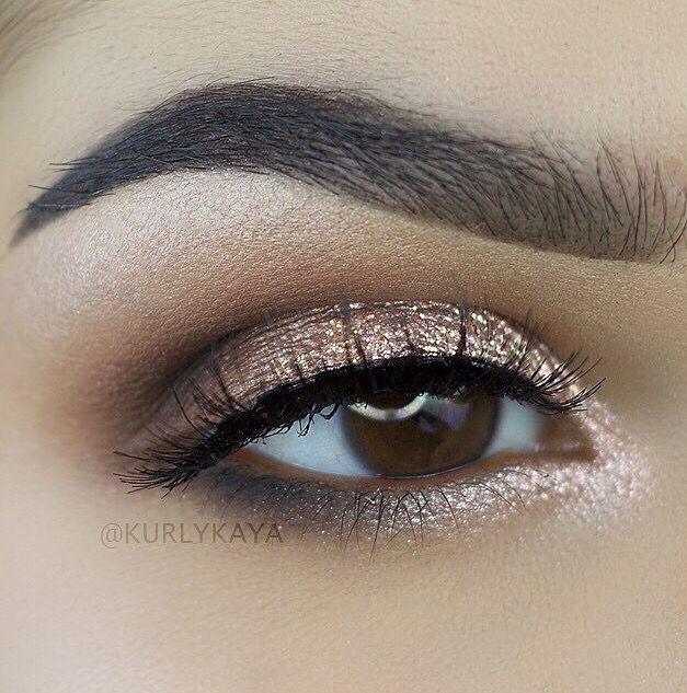 Anastasia Beverly Hills pink champagne eyeshadow