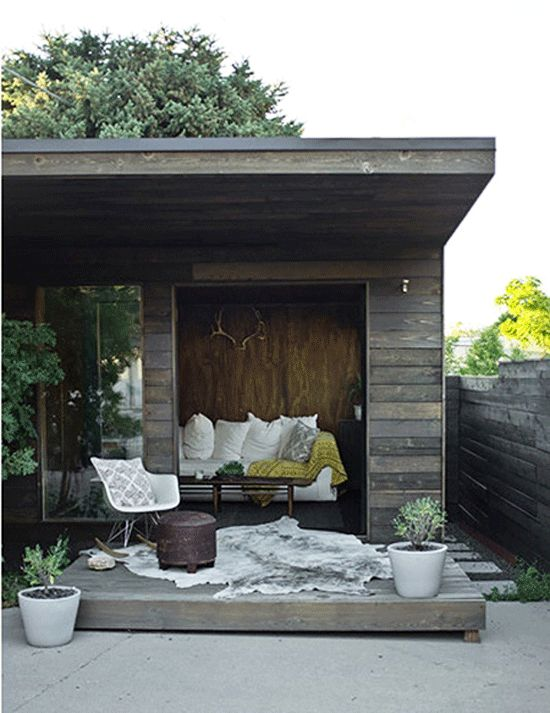 The Backyard Shed We all love them and want one –whether it's for a home office, hobby space or gardening shed, the backyard shed is one of those reachable projects just waiting to happen. Above phillipkerickson.com. Click here to see more.