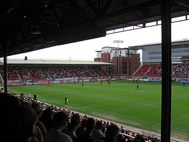 Matchroom Stadium. Leyton Orient vs. Brentford 1-1 (9.9.2006). League One.