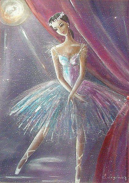 Купить или заказать Балерина в интернет-магазине на Ярмарке Мастеров. Картина создана в авторской технике трехслойного батика. Нижний слой-плотный шелк с абстрактным рисунком портьеры, второй слой- сетка с искорками, третий слой-верхний-натуральный тончайший прозрачный шелк газ с изображением балерины. Платье балерины-полупрозрачное, сияющее, на лице-нежная, полузагадочная улыбка... Артистка перед выходом на сцену полностью вошла в свой образ и находится уже не в этом мире, а в мире музыки…
