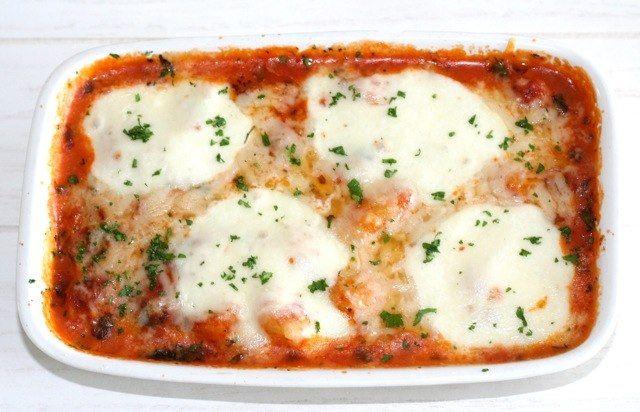 Gnocchi ovenschotel | Gnochhi met een lichte tomatensaus, Mozzarella en Parmezaanse kaas | Bekijk dit lekkere gnocchi recept op Alles Over Italiaans Eten