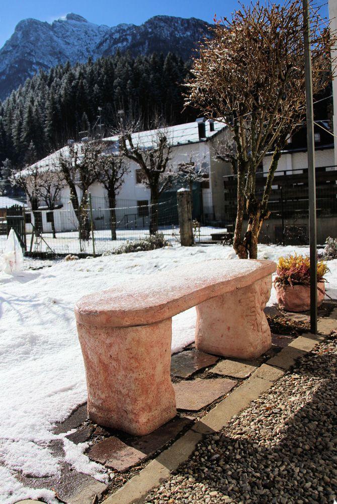 25 fantastiche immagini su realizzazioni pozzi da giardino - Colore esterno casa rosa antico ...