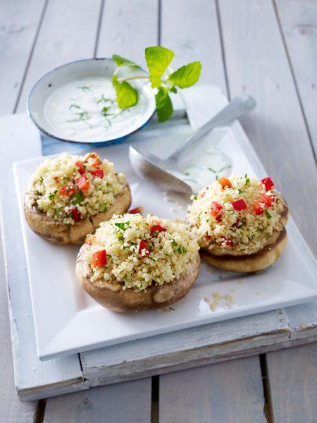 Gefüllte Riesenchampignons mit Couscous und Minz-Joghurt