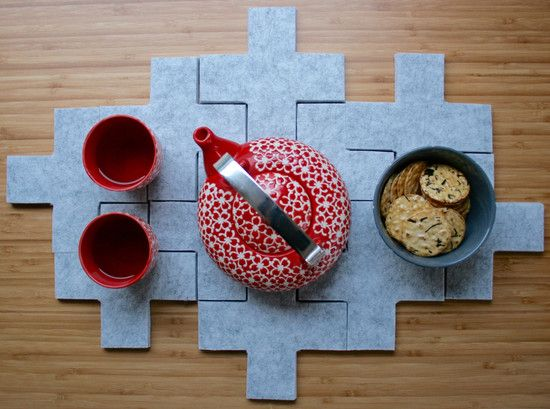 Shhhhhh, these easy to make felt coasters look like felt but are not actually made from traditional felt. They are made from acoustic pinboard. Acoustic pinboa