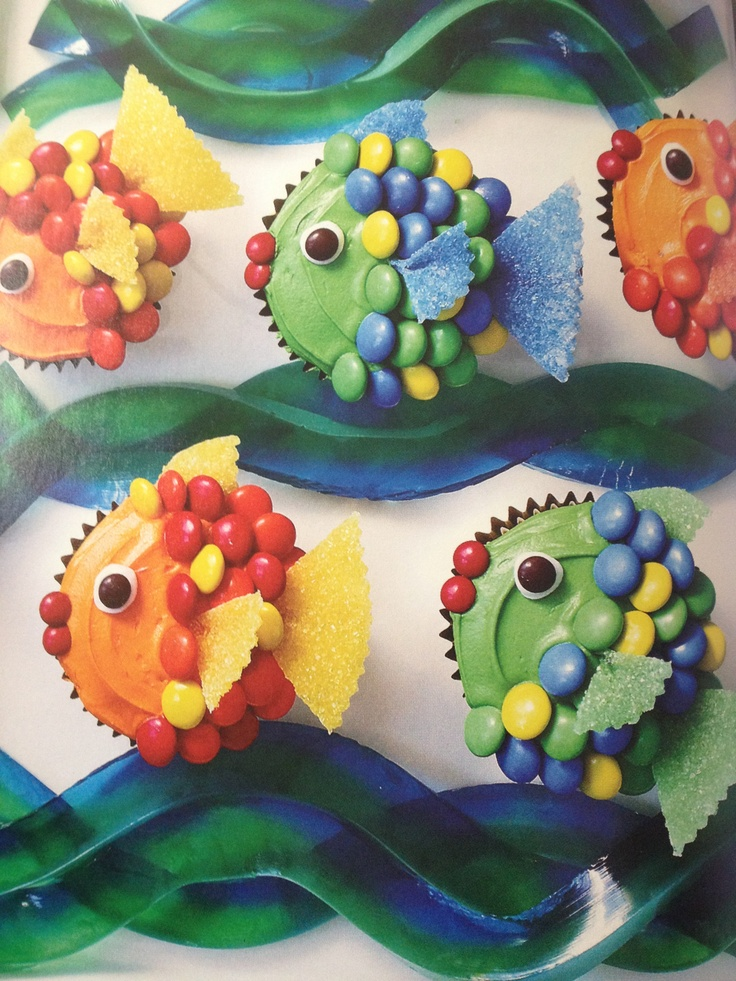 Fish cupcakes--great idea to do with The Rainbow Fish