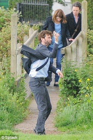 *SPOILERS* #Broadchurch2 - Return: David, Olivia and Jodie have come back to North Somerset to film the new series.
