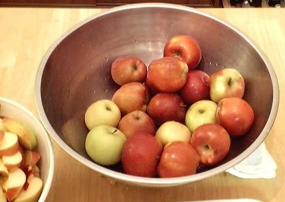 Make your own organic applesauce for your baby. Just peel, core, simmer and puree :)