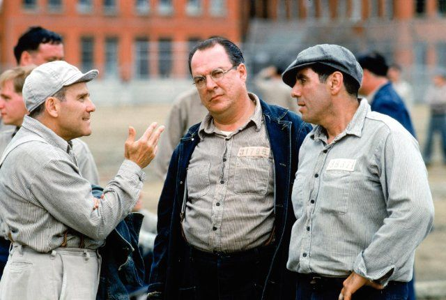 Still of Larry Brandenburg, Neil Giuntoli and David Proval in The Shawshank Redemption (1994)