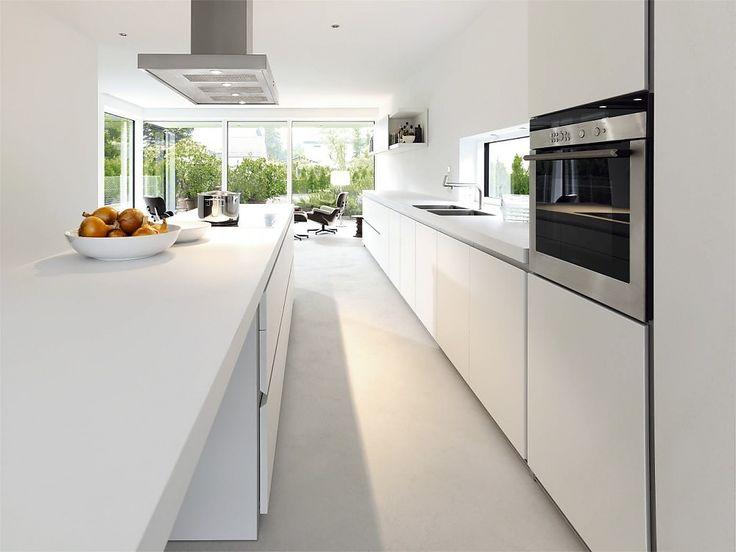 Designküche b1 mit Insel und Theke in Weiß (bulthaup Küchen ...