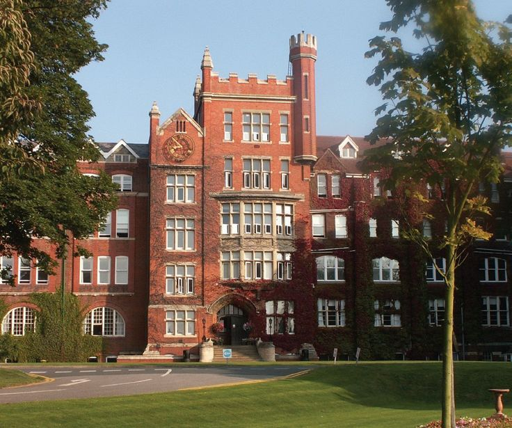 St Lawrence College mixed boarding school in Kent