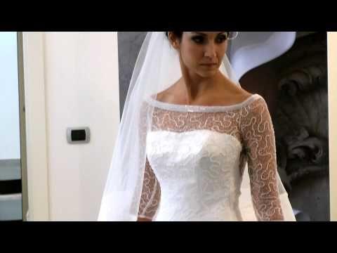 [Terza prova d'abito: la nuova Rachele] Il giorno è arrivato: lo specchio riflette l'immagine della (quasi) sposa e tutto è emozionante e magico, proprio come quel giorno! #webserie #wedding #bridalgown