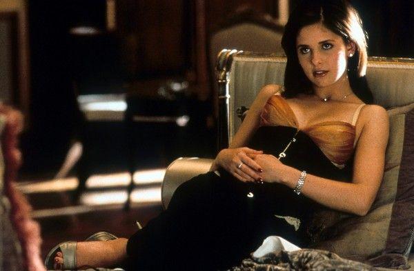 Sarah Michelle Gellar on Set of 'Cruel Intentions' = '90s Beauty Fever Dream
