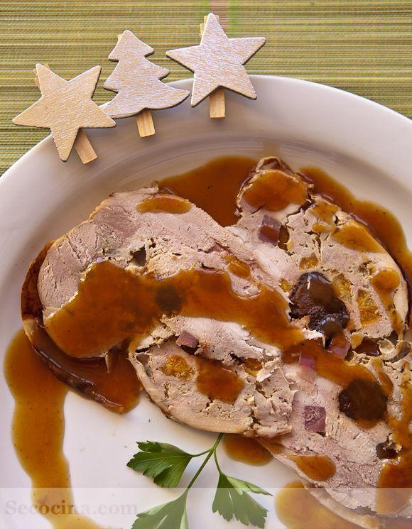 Pavo relleno de navidad - 13 increíbles recetas de pavo para Nochebuena   Cocina Muy Fácil   http://cocinamuyfacil.com   https://lomejordelaweb.es/