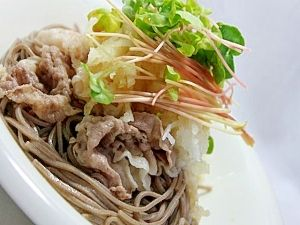 """Soba★grated radish & beef shabushabu with broth poured over it♪""/おろしぶっかけ蕎麦★しゃぶしゃぶのせ♪"