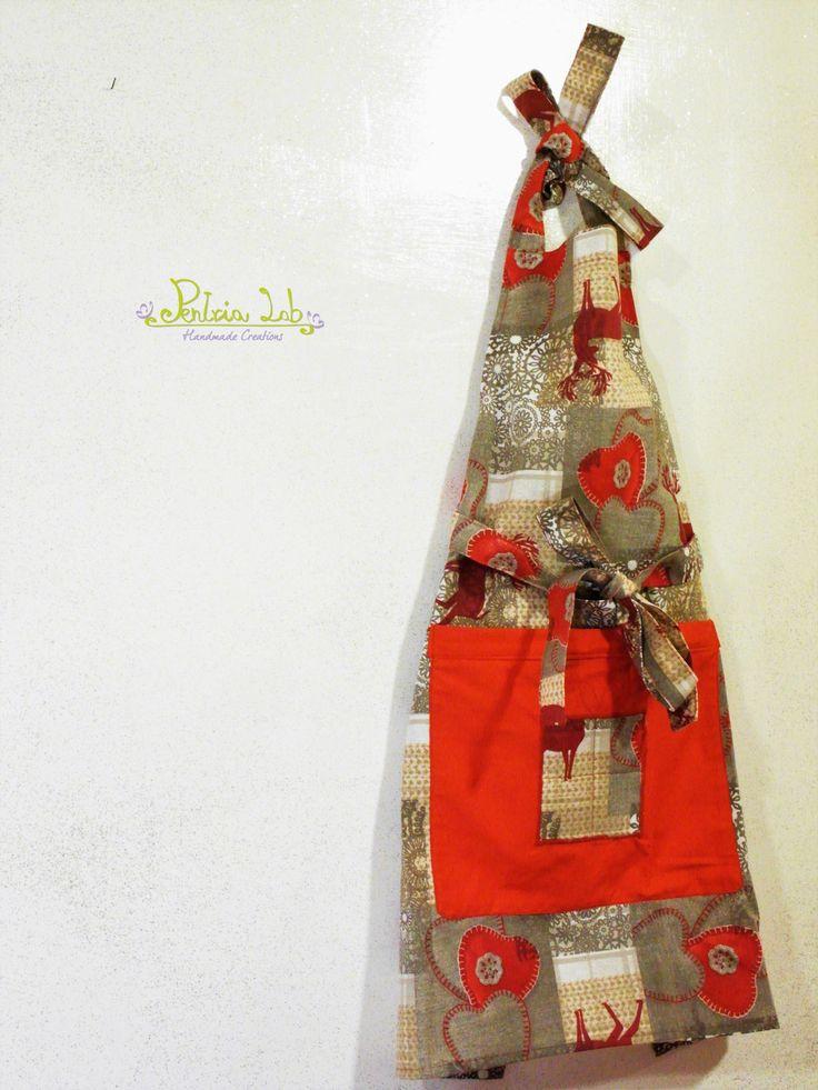 Grembiule in tessuto natalizio, con renne e cuori. : Cucina e servizi da tavola di pentria-lab