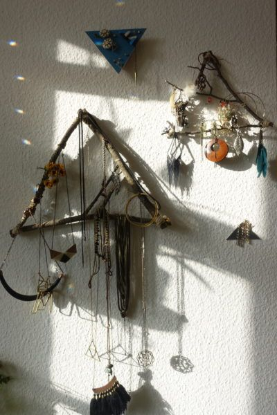 Easy DIY Jewelery Storage just tied or nailed together branches