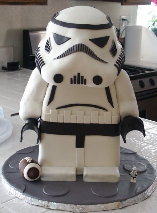 Unleash Your Inner Jedi With These 12 Star Wars-Themed Cakes