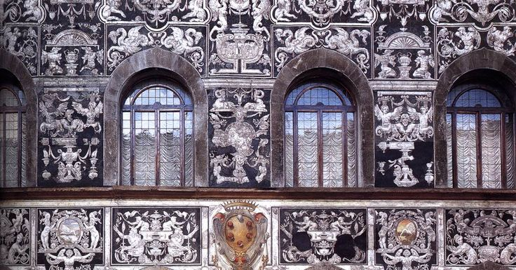 Bernardino Poccetti (1548-1612) ~ From the end of the 1560s decorative embellishments were imposed by Cosimo I de' Medici, Grand Duke of Tuscany, upon Florence's previously somewhat severe aspect. The wealthy families now added the façades of their palatial homes, complete with allegorical frescoes or graffito work. At this time Bernardo Poccetti was doing the graffito decoration on the façade of the home of Bianca Cappello, which was located in Via Maggio. Not Medici stemma or crest