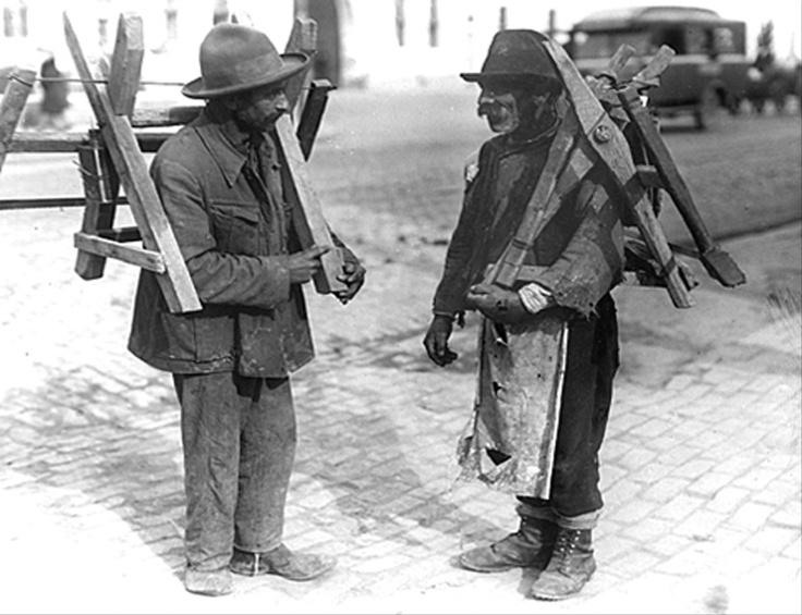 Poze vechi Bucuresti, taietori de lemne, 1933