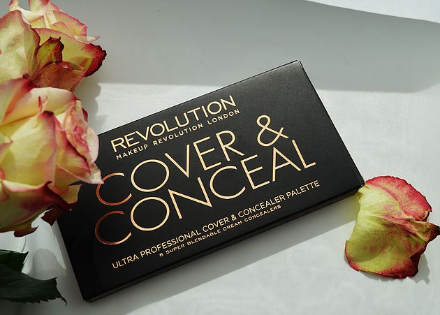 MAKEUPREVOLUTION Ultra Cover and Conceal Palette Light