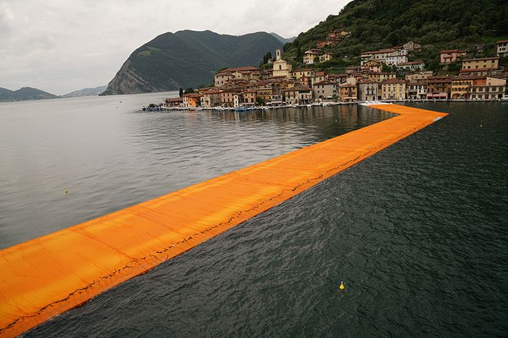 floating piers christo and jeanne-claude