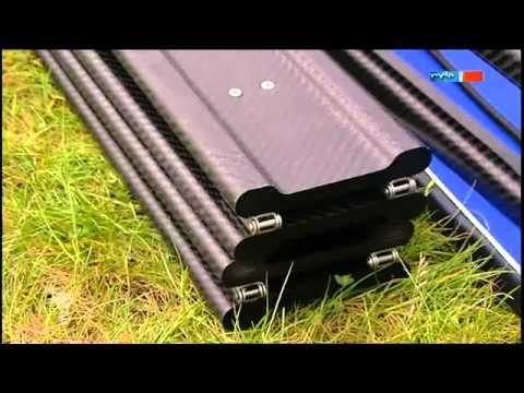 ▶ Faltboot aus Carbon - MDR Einfach genial - 19.06.2012 - YouTube En nu alweer 10 kilo lichter. Dit is de toekomst.