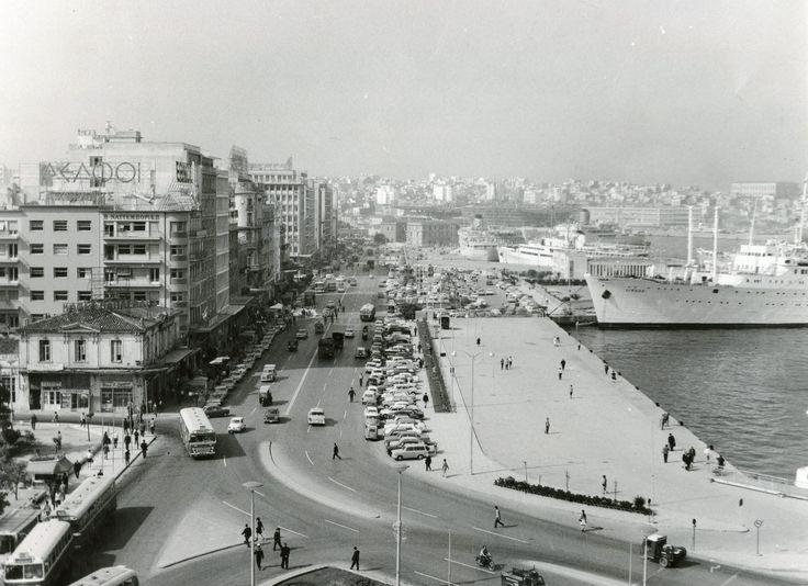 Akti Miaouli, Piraeus in the late 1960's. / Η Ακτή Μιαούλη στα τέλη της δεκαετίας του 1960.