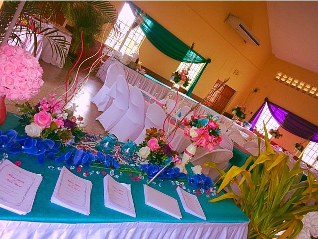 Guest book table on entry