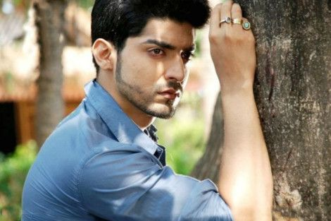 Gurmeet Choudhary Sexy Wallpaper - Gurmeet Choudhary Rare and Unseen Images, Pictures, Photos & Hot HD Wallpapers