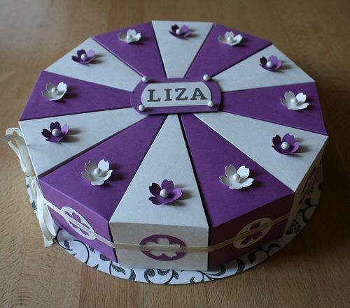 Torta keresztelőre, születésnapra. Azt pakolsz a szeletekbe, amit csak szeretnél.