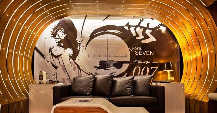 Themed hotel rooms have always been a staple of honeymoon suites and hook up motels from Vegas to Niagra Falls, but recently the tourism industry hasn't gotten more competitive world wide and more hotels are getting in on the niche geek theme hotel rooms.