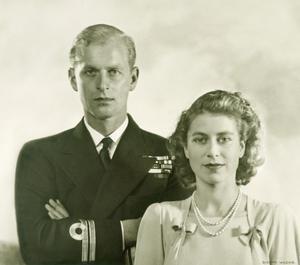 story queen elizabeth prince phillip wedding photos