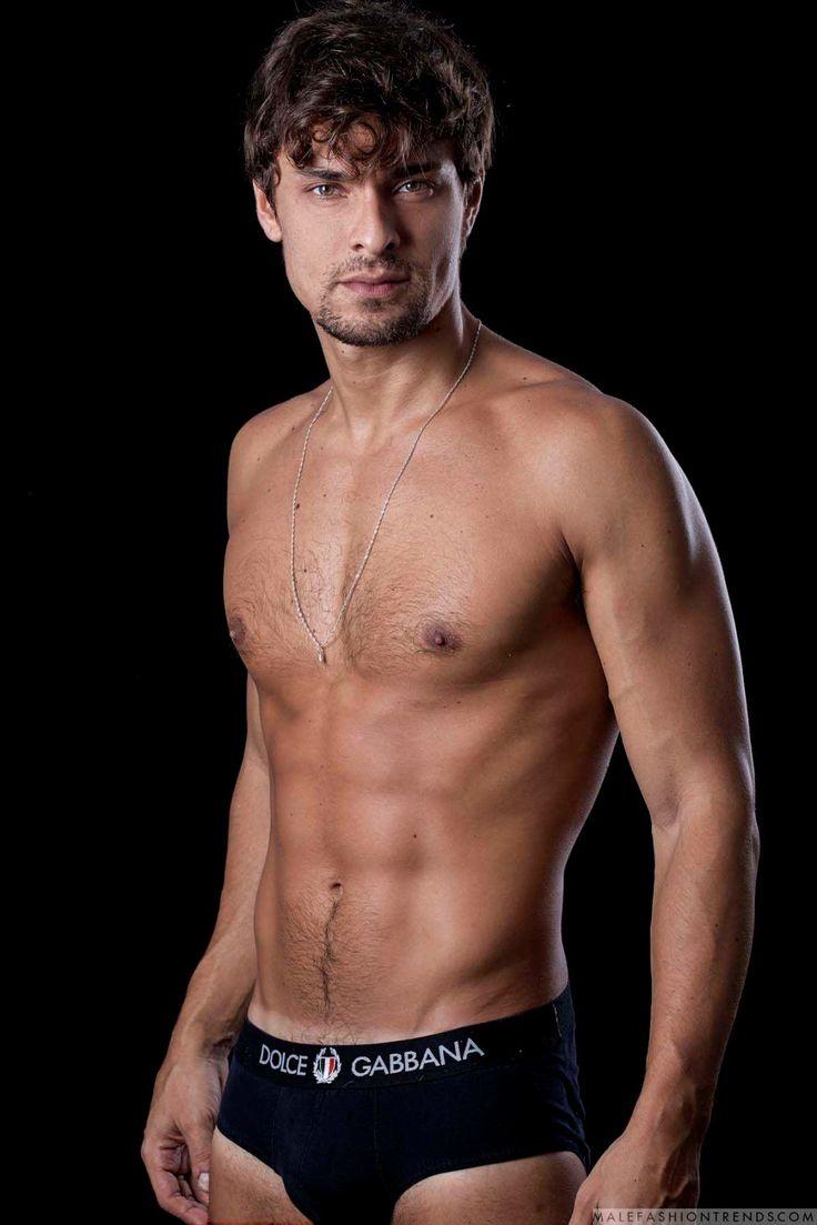 Male Fashion Trends: Leandro Juliano posa para Brazilian Male Model en fotos de Ronaldo Gutierrez