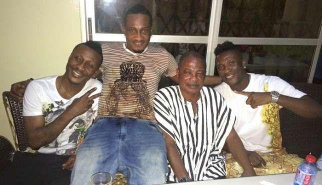 Asamoah Gyan's father Gyan Baffour Mensah groomed 3-time goal king Dan Owusu - http://www.ghanatoghana.com/asamoah-gyans-father-gyan-baffour-mensah-groomed-3-time-goal-king-dan-owusu/