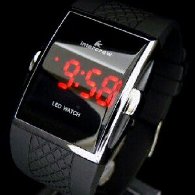 Black Eagle LED Watch (Jam Tangan LED)  Harga Rp 80.000  Spesifikasi: - Tahan air: 1 ATM. - Panjang case: 4,2 cm. - Lebar case: 4,0 cm. - Tebal case: 1,9 cm. - Bahan case: Alloy. - Panjang tali: 22,0 cm. - Lebar tali: 2,5 cm. - Bahan tali: Rubber. - Tipe clasp: Buckle. - Display: LED. - Feature: Tanggal, bulan, tahun.