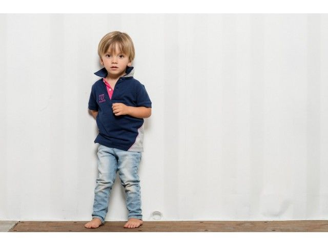 Vêtement enfant, fille et garçon, en coton et en voile de bateau recyclée! Polo, tee-shirt, maillot de bain enfant et robe! Retrouvez toute la collection sur notre site internet www.727sailbags.com