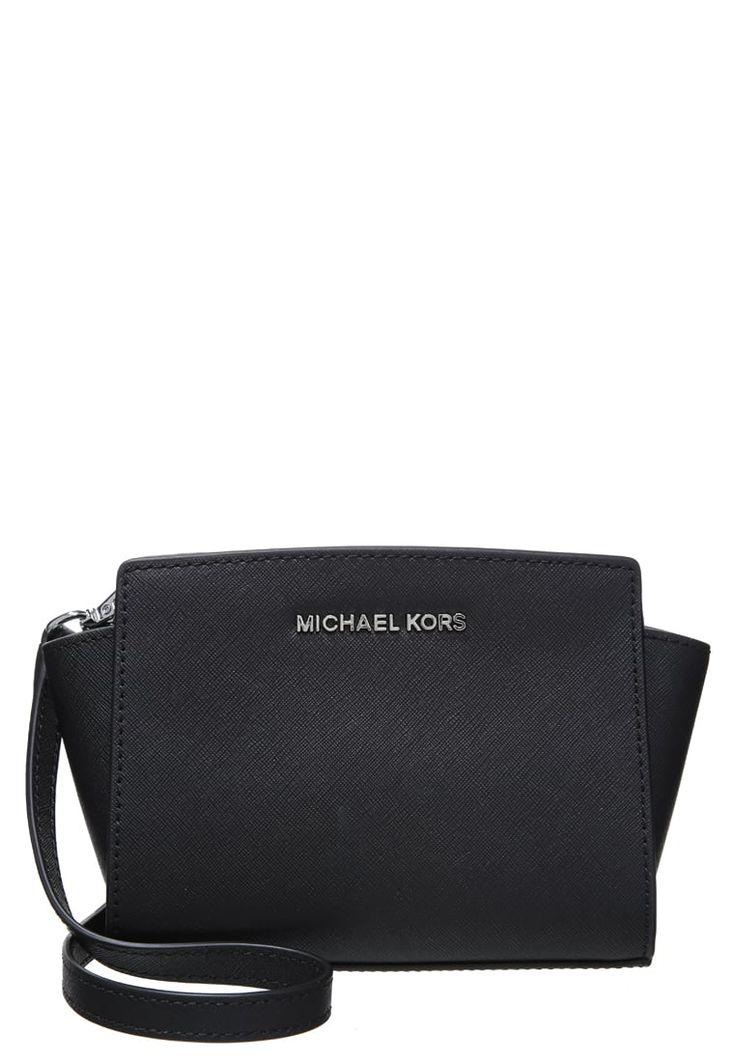 michael michael kors selma across body bag black for 14. Black Bedroom Furniture Sets. Home Design Ideas