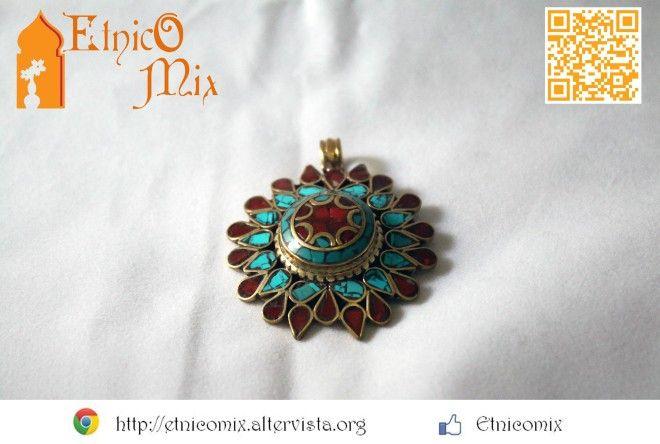 Ciondolo tibetano in ottone, corallo e turchese