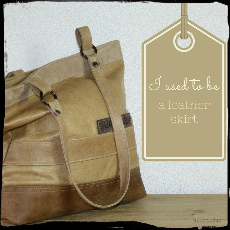 Vroeger was ik een leren rok en een leren bank. Nu samen een mooie nieuwe tas! ***I used to be a leather skirt and a leather couch. Now I am a new bag!