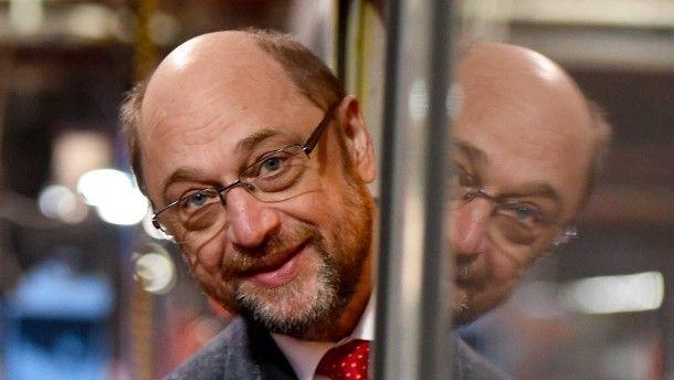 Seit der Nominierung ihres Kanzlerkandidaten erlebt die SPD ein Umfragehoch. Auch in einer Forsa-Erhebung macht die Partei jetzt Prozente gut. Sie sammelt dabei Stimmen im rechten Lager.