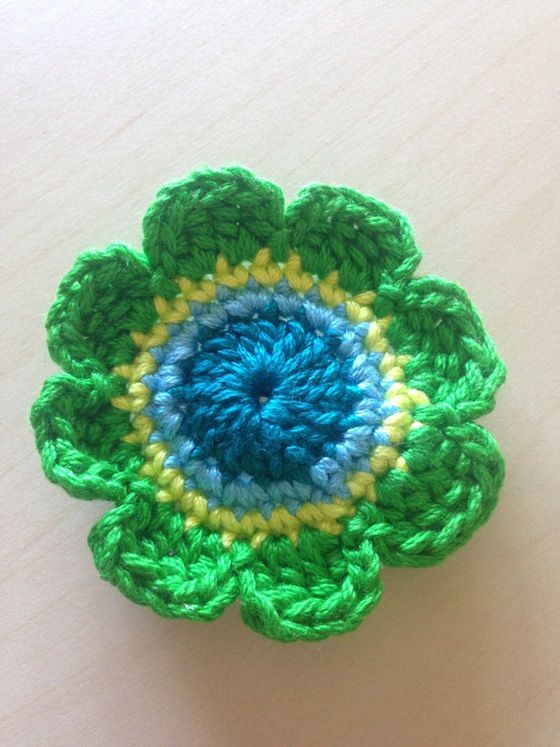 Emerald Sun Flower hand #crochet hair clip