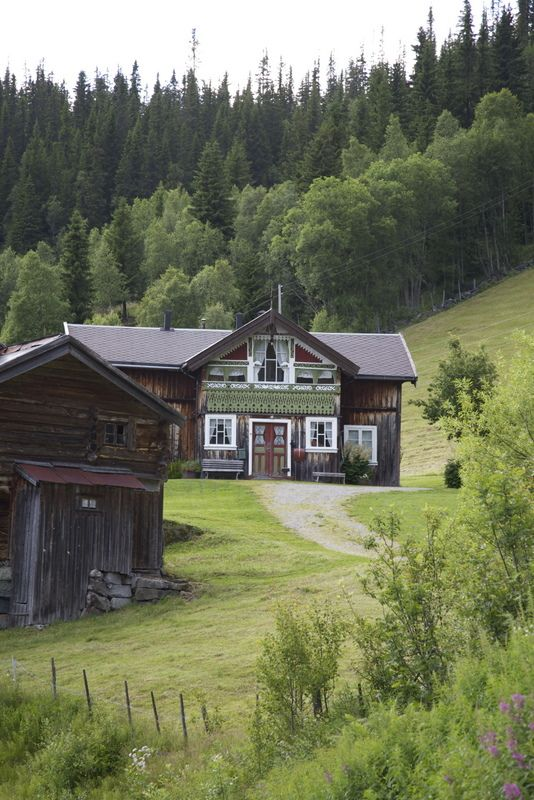 Look at all that trim detail! NORWAY LOVE!!! And out in the country!