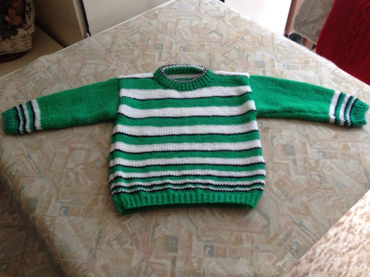 Green, white & black striped hand knitted kids sweater - Groen, wit & zwart gestreepte handgebreide kindertrui