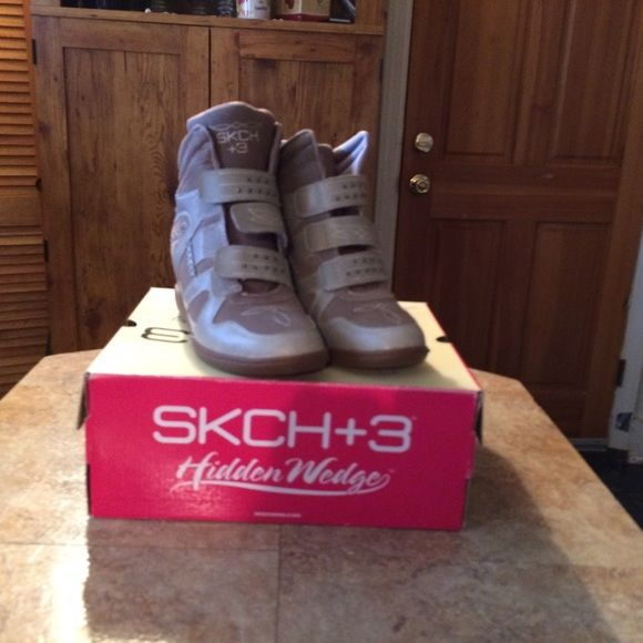 Spotted while shopping on Poshmark: Skechers wedges BRAND NEW size 9! #poshmark #fashion #shopping #style #Skechers #Shoes