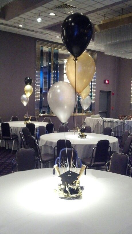 Graduation balloon centerpiece