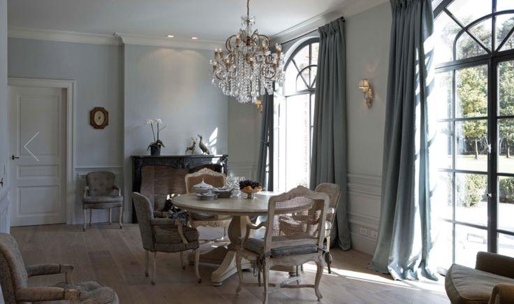 Elegant dining room, Elle Decoration. http://www.facebook.com/kenisa.home