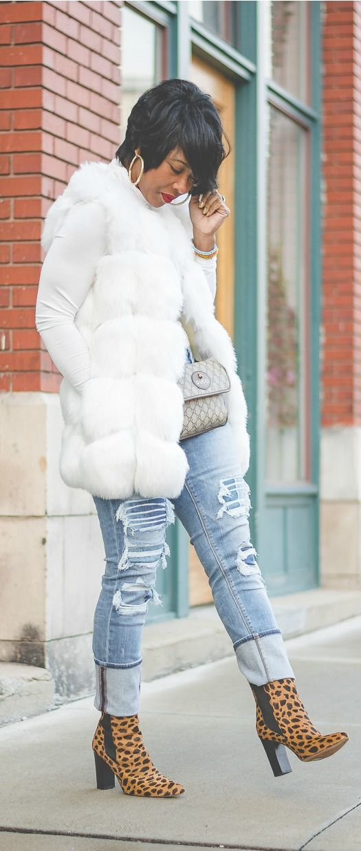 Fur Vest, White Fur Vest, Faux Fur, Turtleneck, Express Denim, Distressed Denim, Pixie cut, Big hoop earrings, Indy Style, Sweenee Style