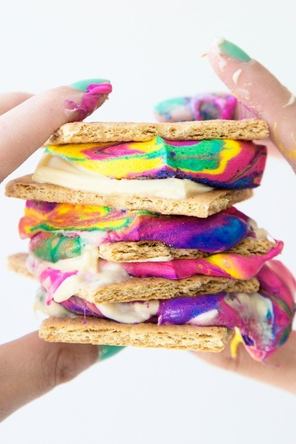 Tie Dye S'mores   21 Insanely Delicious Desserts That Aren't Afraid To Wear Color