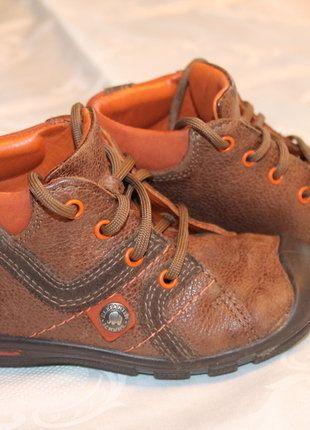 Kaufe meinen Artikel bei #Mamikreisel http://www.mamikreisel.de/kleidung-fur-jungs/halbschuhe/34438481-sehr-gut-erhaltene-halbstiefel-boots-von-elefanten-in-strukturleder-mit-flex-sohle